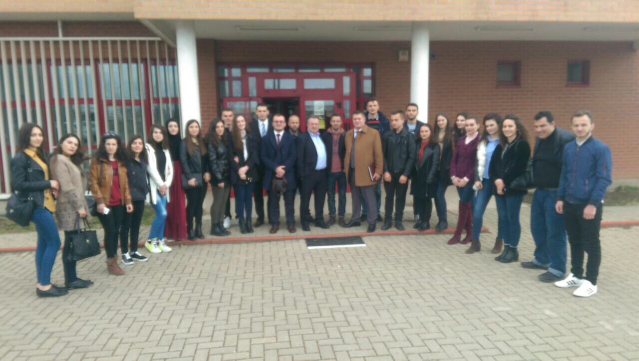 Studentët e Fakultetit Juridik vizituan Agjencinë e Kosovës për Forenzikë