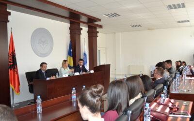 Ministrja Hoxha Mbajti Ligjëratë Para Studentëve Të Fakultetit Juridik