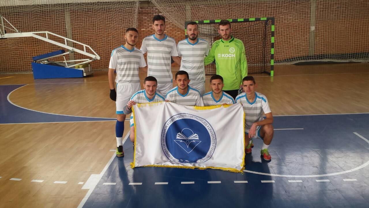 Studentët mitrovicas morën pjesë në turneun e futsallit për 10-vjetorin e Pavarësisë së Kosovës