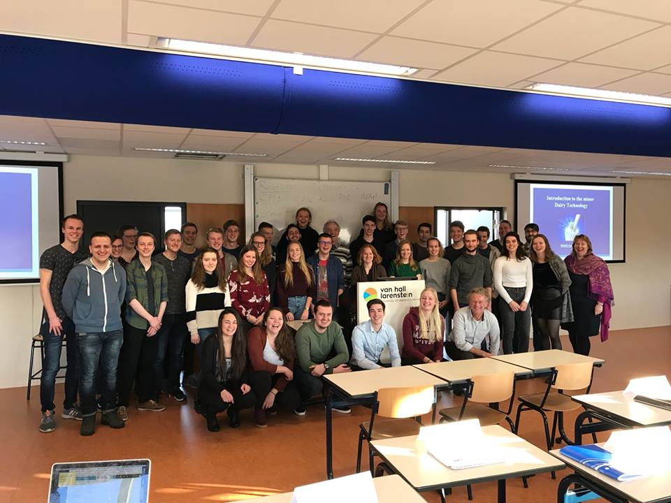 """Dy studentë të FTU-së vazhdojnë studimet në Holandë në kuadër të programit """"ERASMUS+"""""""