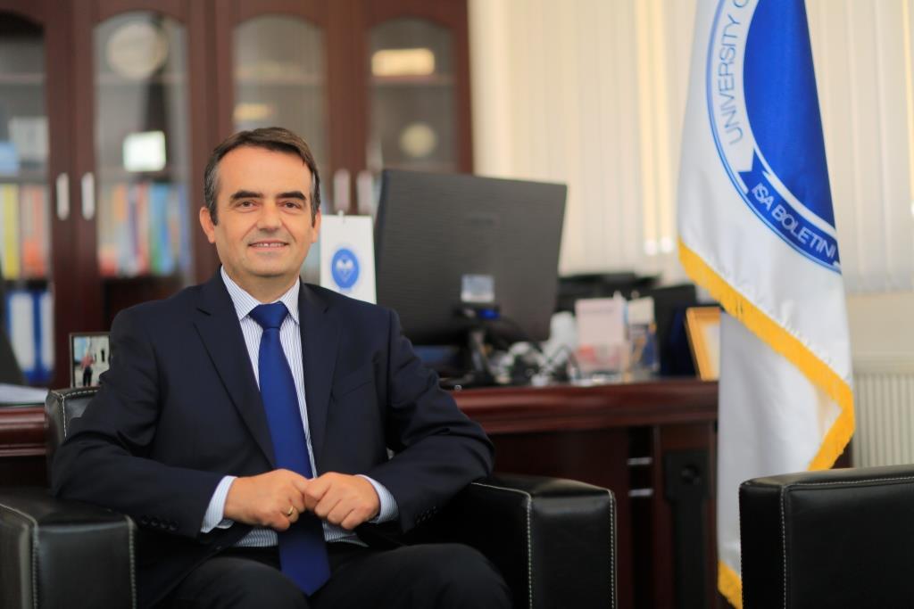 """Rektori Musaj, jua uron 5-vjetorin e themelimit të Universitetit """"Isa Boletini"""""""