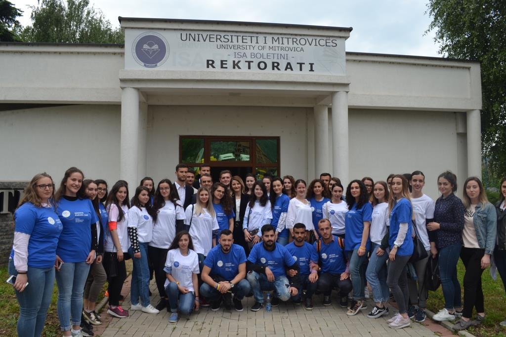 """Aktivitetet për """"Ditën e Evropës"""" nisin me një debat me studentë në Universitetin """"Isa Boletini"""""""