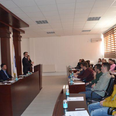 Debat Me Studentë (mars 2016)