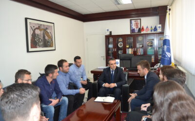 Rektori Musaj Priti Drejtuesit E Unionit Të Studentëve Të Universiteteve Kosovare (nëntor 2016)