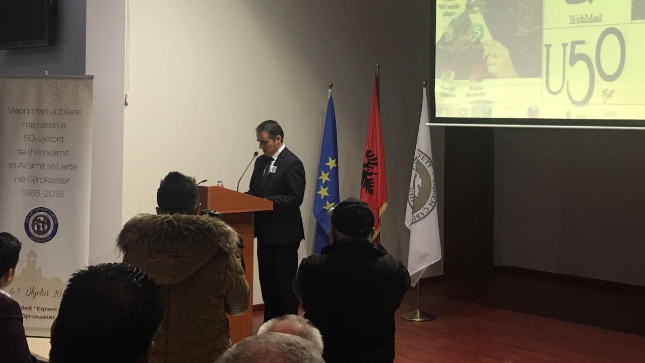 Rektori Musaj, mori pjesë në manifestimin e 50-vjetorit të arsimit të lartë në Gjirokastër
