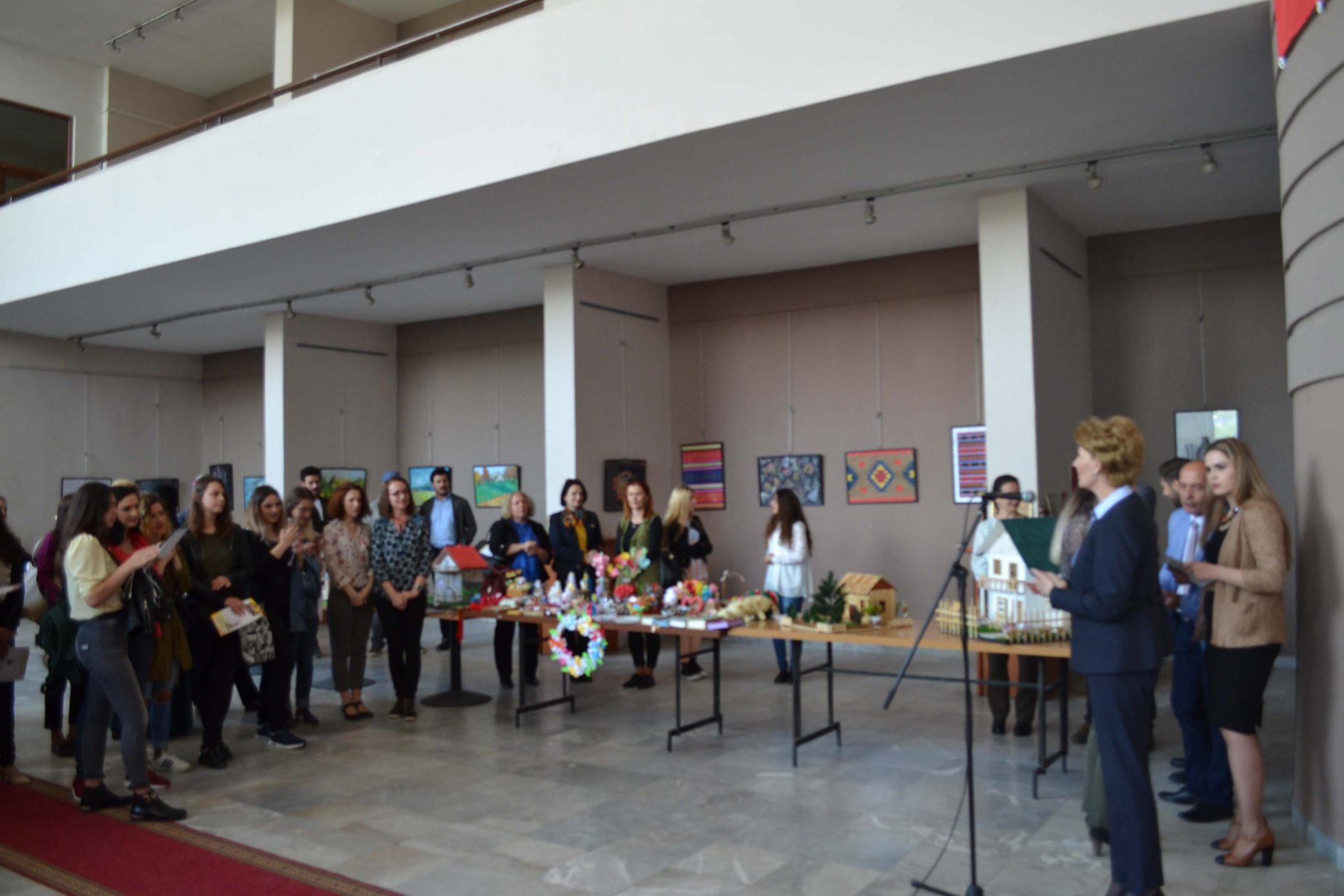 Ekspozitë E Studentëve Të Edukimit (maj 2017)