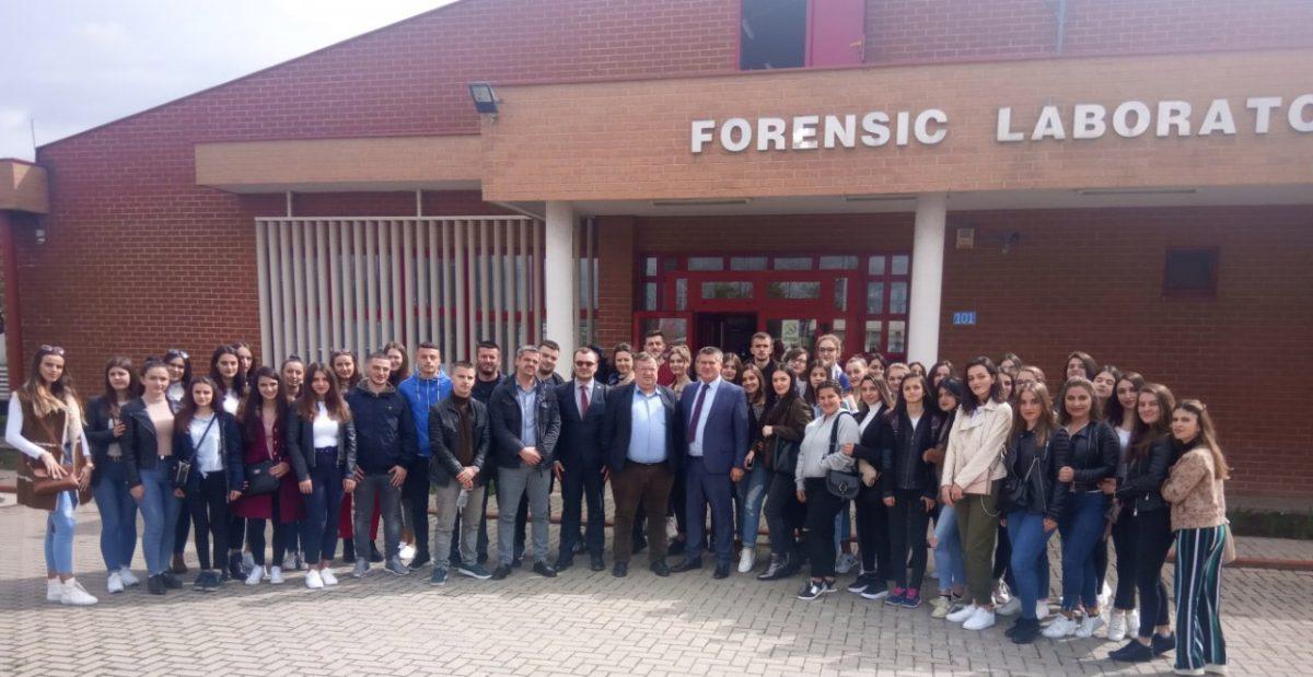Vizita e studentëve të Fakultetit Juridik në Agjencinë e Kosovës për Forenzikë