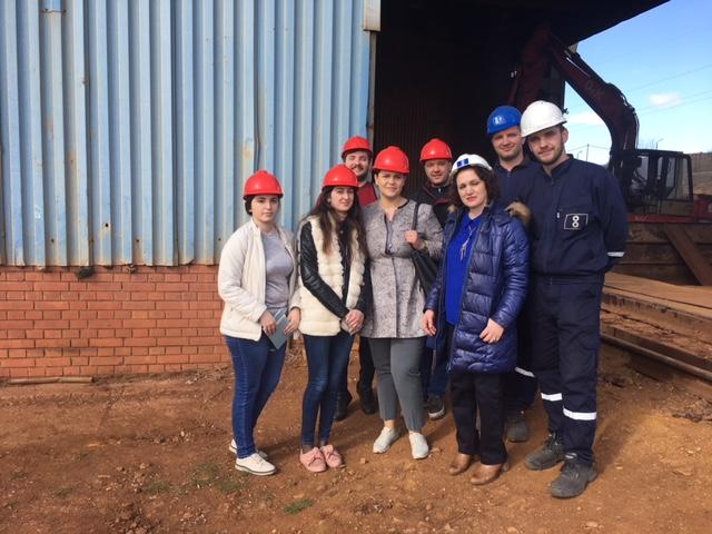 Studentët e FGJ-së kryejnë pjesën praktike në shkritoren e Feronikelit në Drenas