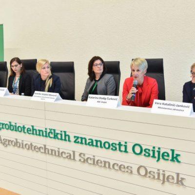 """Dy Studente Të FTU-së Morën Pjesë Në """"Konferencën E Tretë Kroate Për Vlerësimin E Riskut Ushqimor"""""""