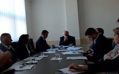 KD-ja Vendos Që Bursa Për Studentë Në Vitin Akademik 2018/19 Të Jetë 1 Mijë Euro