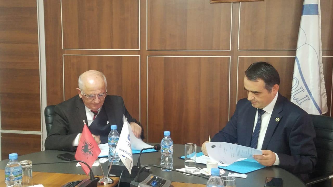 """Marrëveshje bashkëpunimi me Universitetin """"Fan S. Noli"""" në Korçë"""