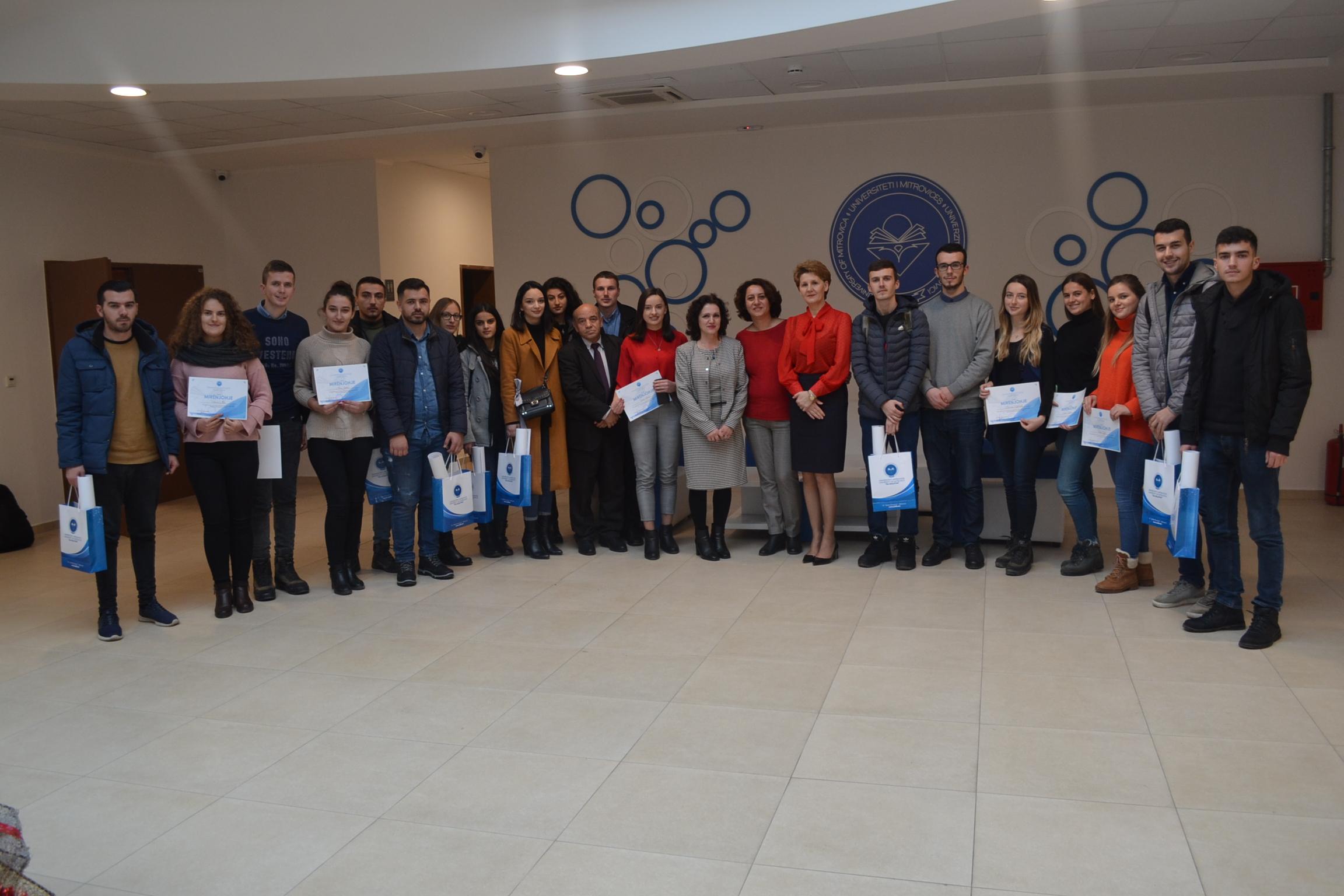 """Mirënjohje për studentët që morën pjesë në """"Garën e diturisë"""""""