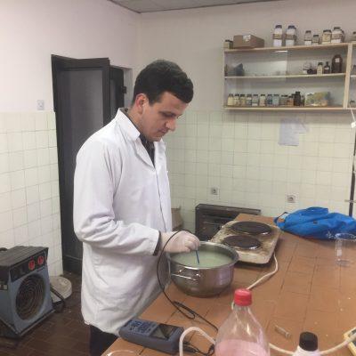 Petrit Idrizi, Gjatë Punës Në Laborator