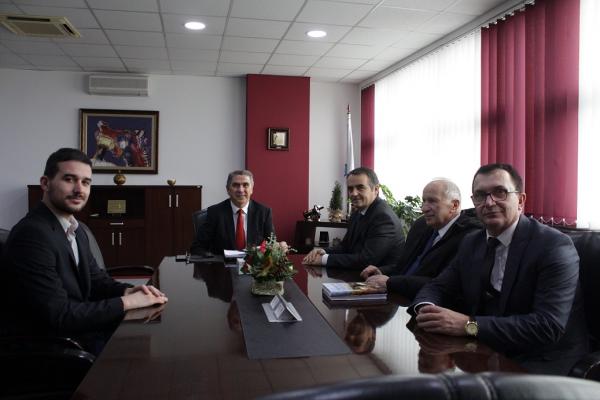 Rektori Musaj vizitoi Universitetin e Evropës Juglindore në Tetovë