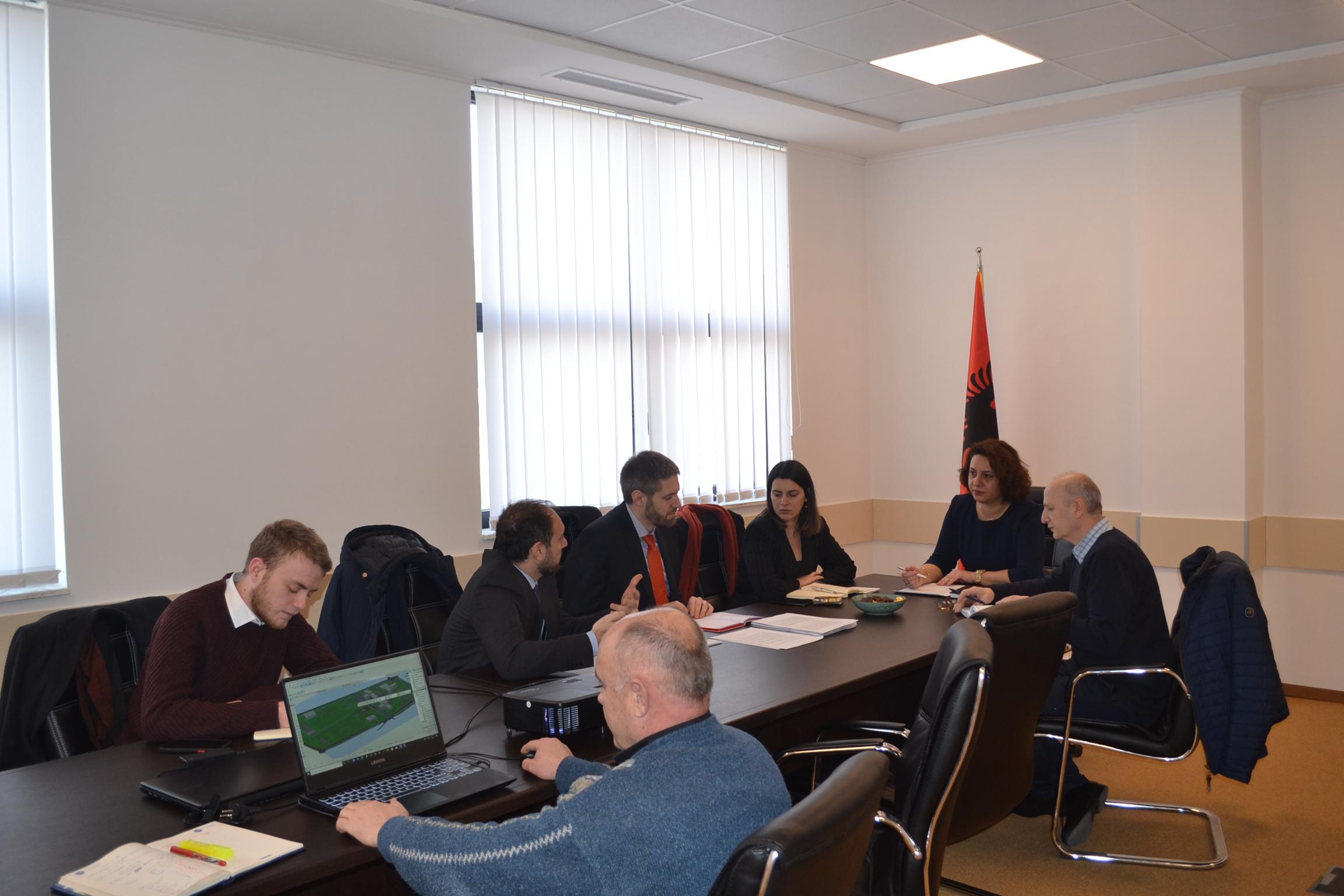 Zyrtarë të Ministrisë së Financave dhe Bankës Evropiane për Investime vizituan UMIB-in