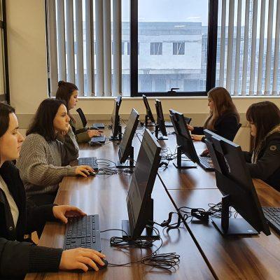 Foto Te Bibliotekes Universitare-UMIB
