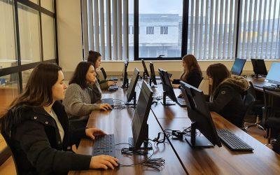 Biblioteka Universitare Ofron Mundësi Të Mëdha Për Studentë