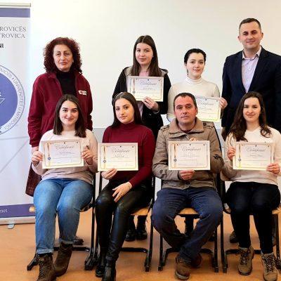 U Certifikuan Pjesëmarrësit E Trajnimit Për Shkathtësi Të Buta