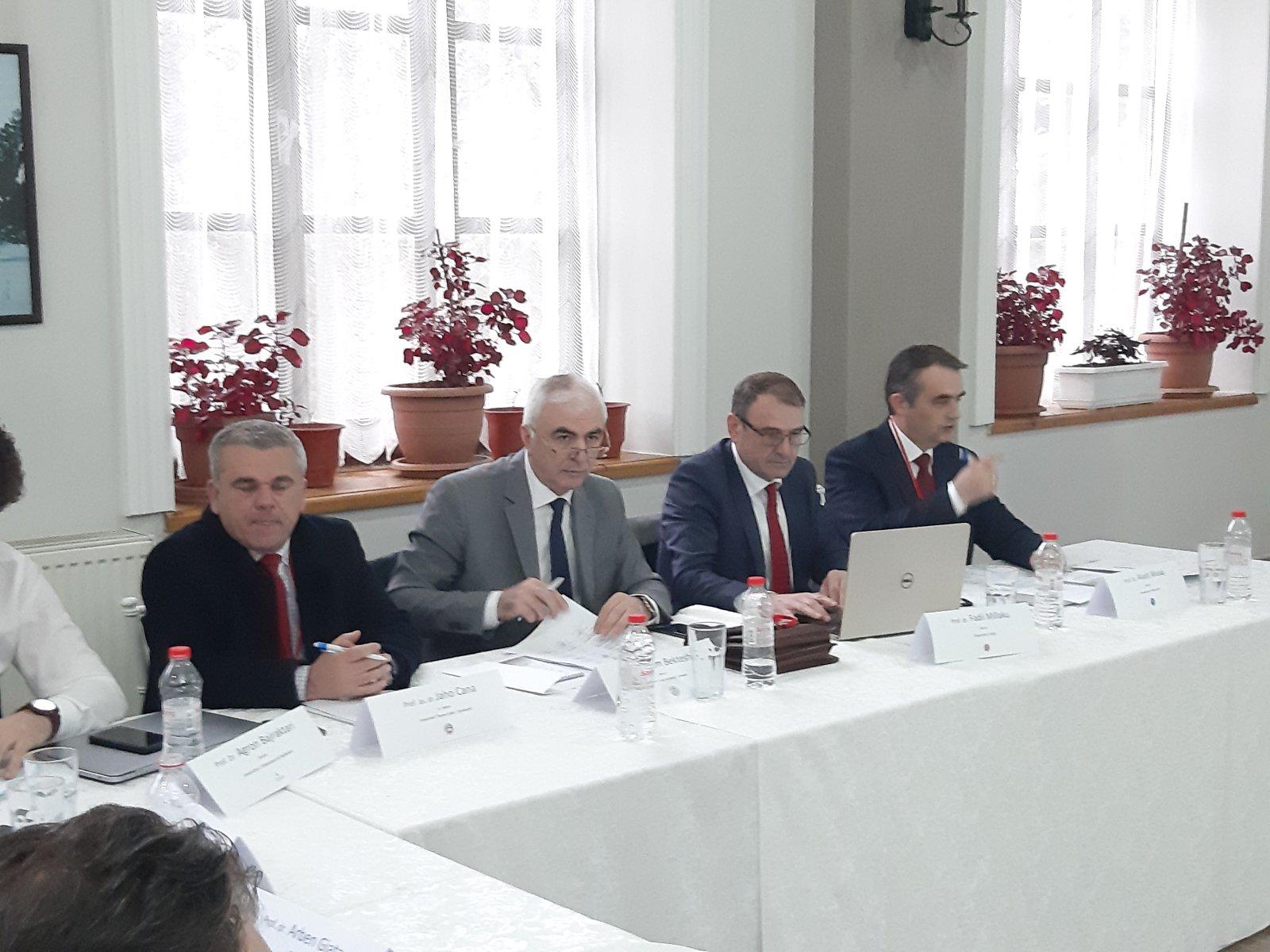 Rektori Musaj po merr pjesë në Konferencën II të Rektorëve në Korçë