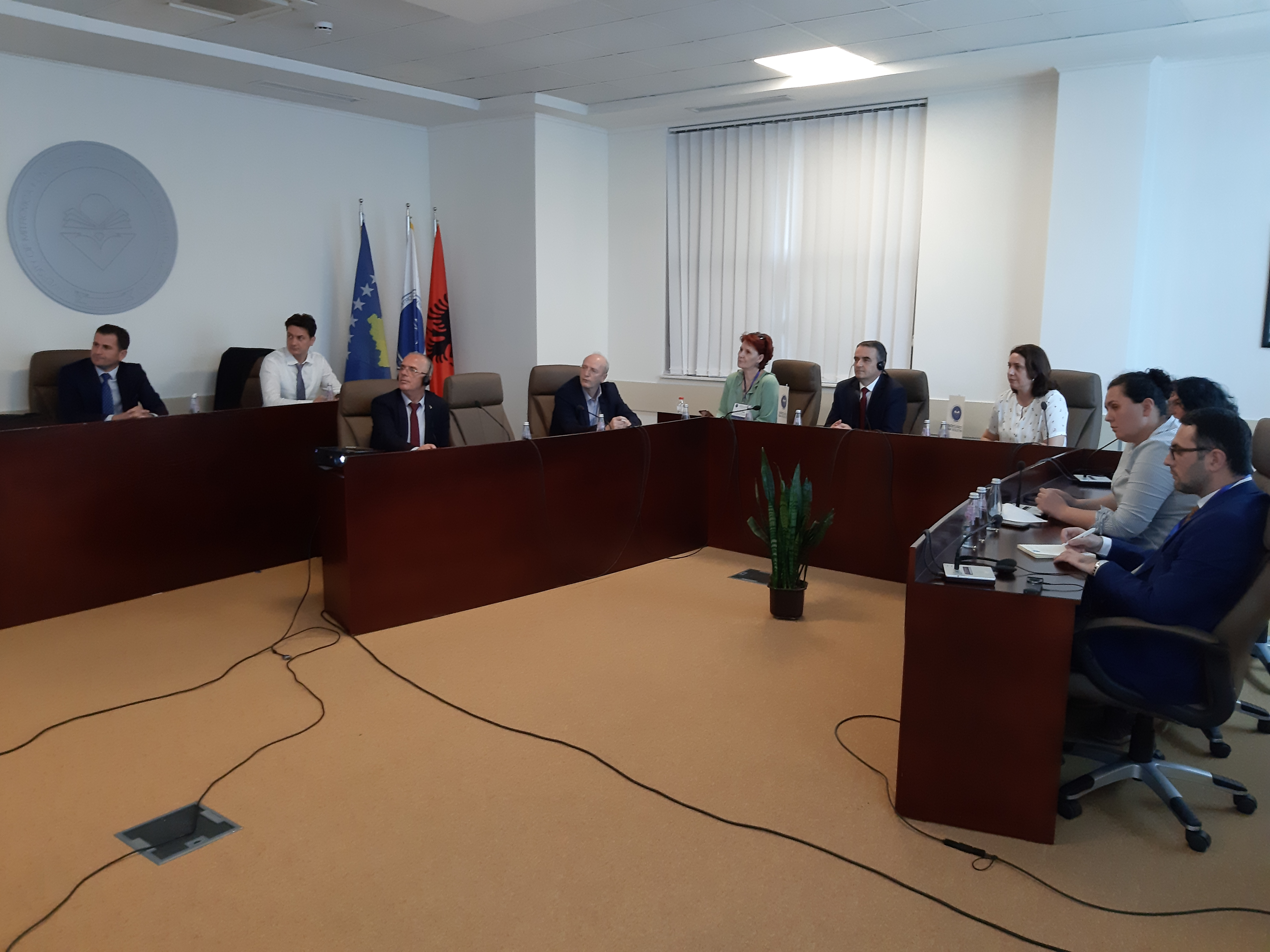 Meetings were held with international experts on institutional re-accreditation