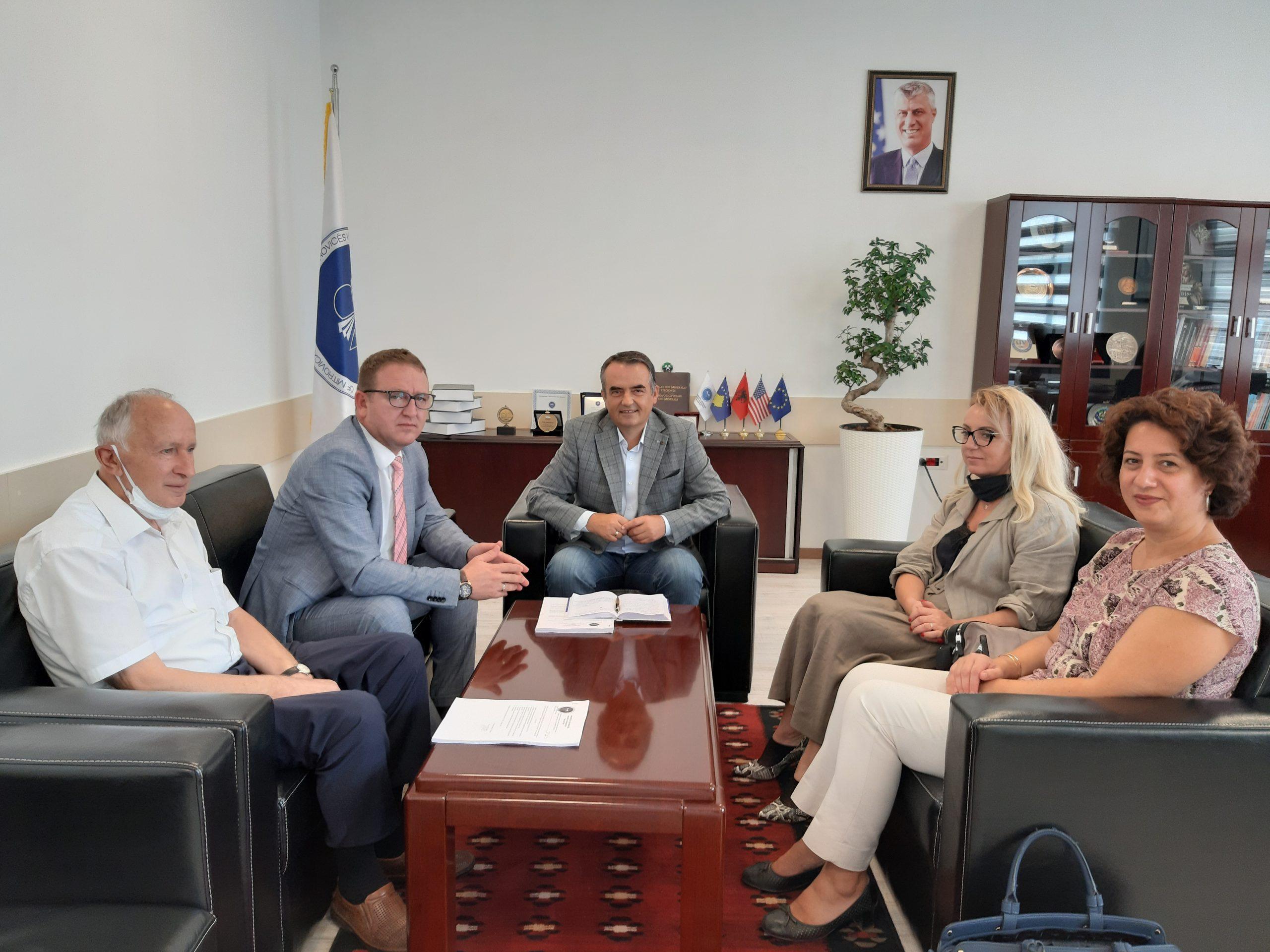 """Gatishmëri për hapjen e programeve të përbashkëta nga Universiteti """"Isa Boletini"""" dhe ai """"Fehmi Agani"""""""