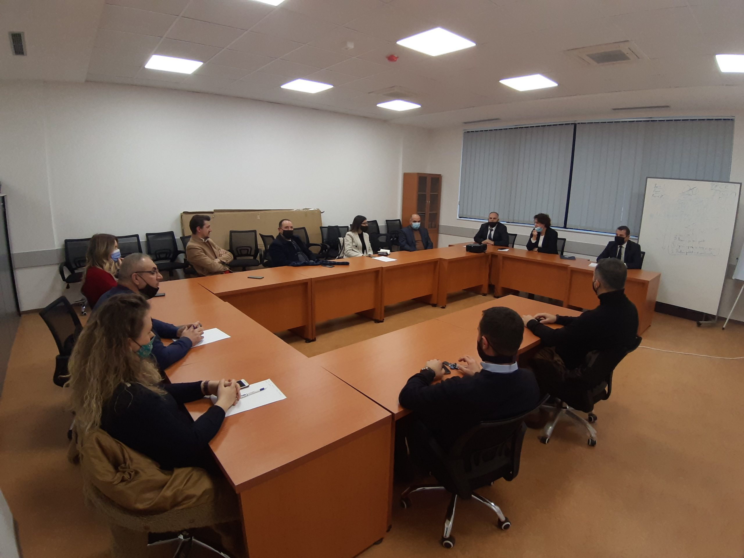 """U themelua Trupi Këshillëdhënës i Fakultetit Ekonomik, pranë Universitetit """"Isa BOLETINI"""", në Mitrovicë"""