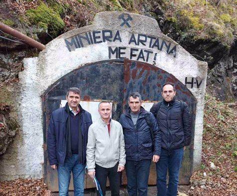 Ekipi i profesorëve të Fakultetit të Gjeoshkencave zhvilluan një vizitë studimore në minierën e Artanës