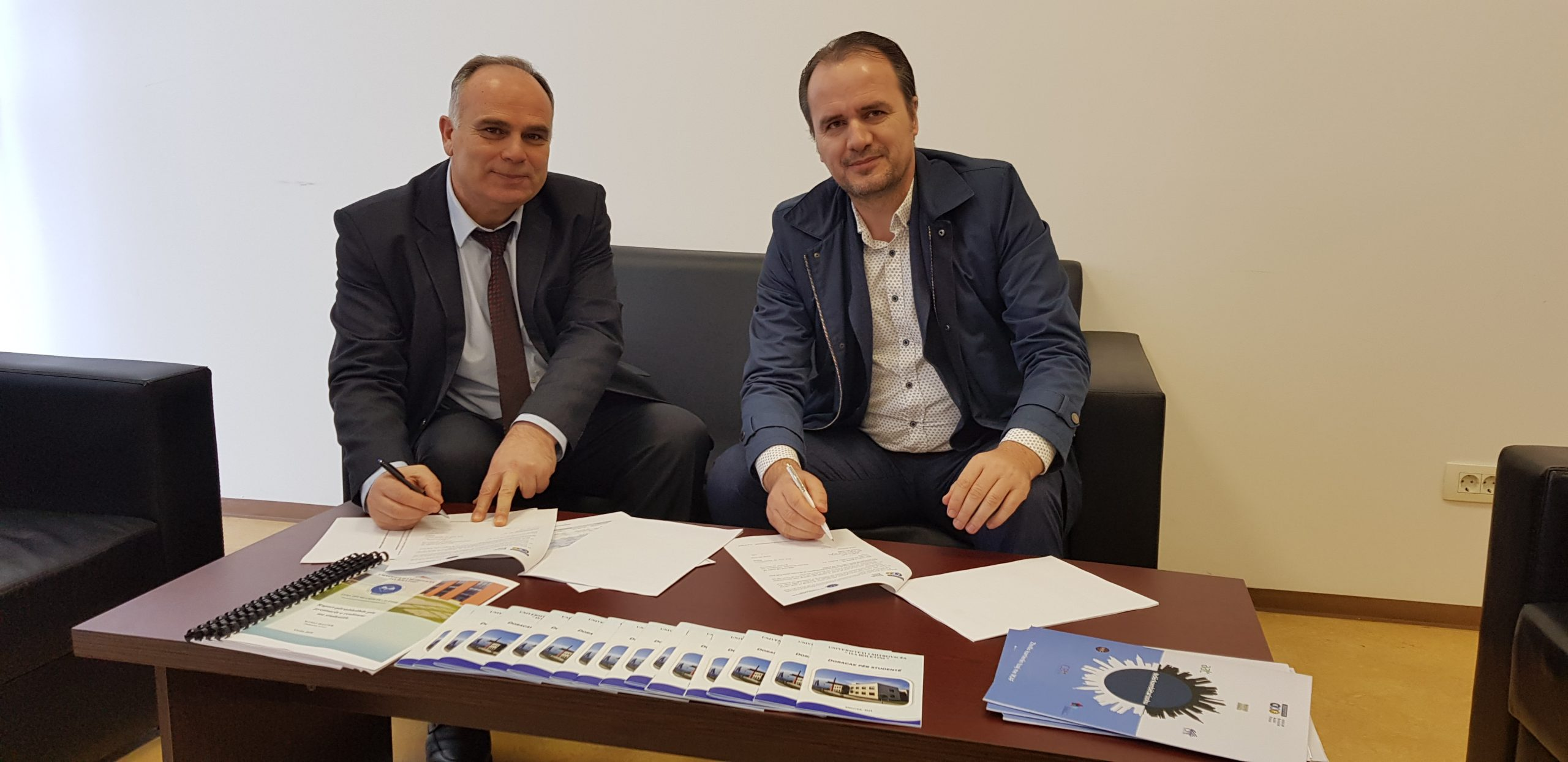 Memorandum bashkëpunimi mes Fakultetit Ekonomik dhe Institutit per Kontabilitet, Auditim dhe Financa (Instituti KAF)