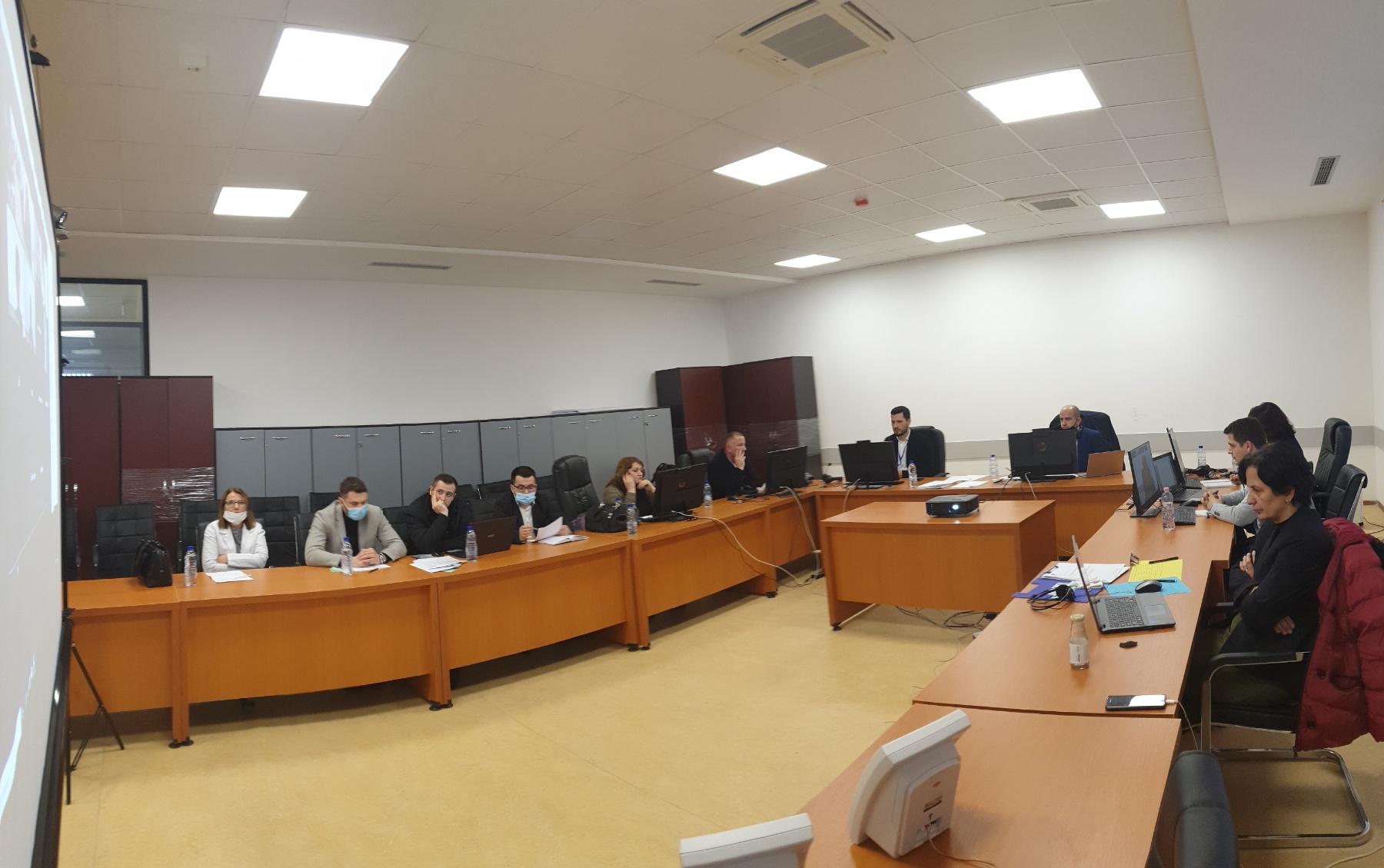Filluan takimet virtuale me ekspertët ndërkombëtarë në procesin e riakreditimit të programeve