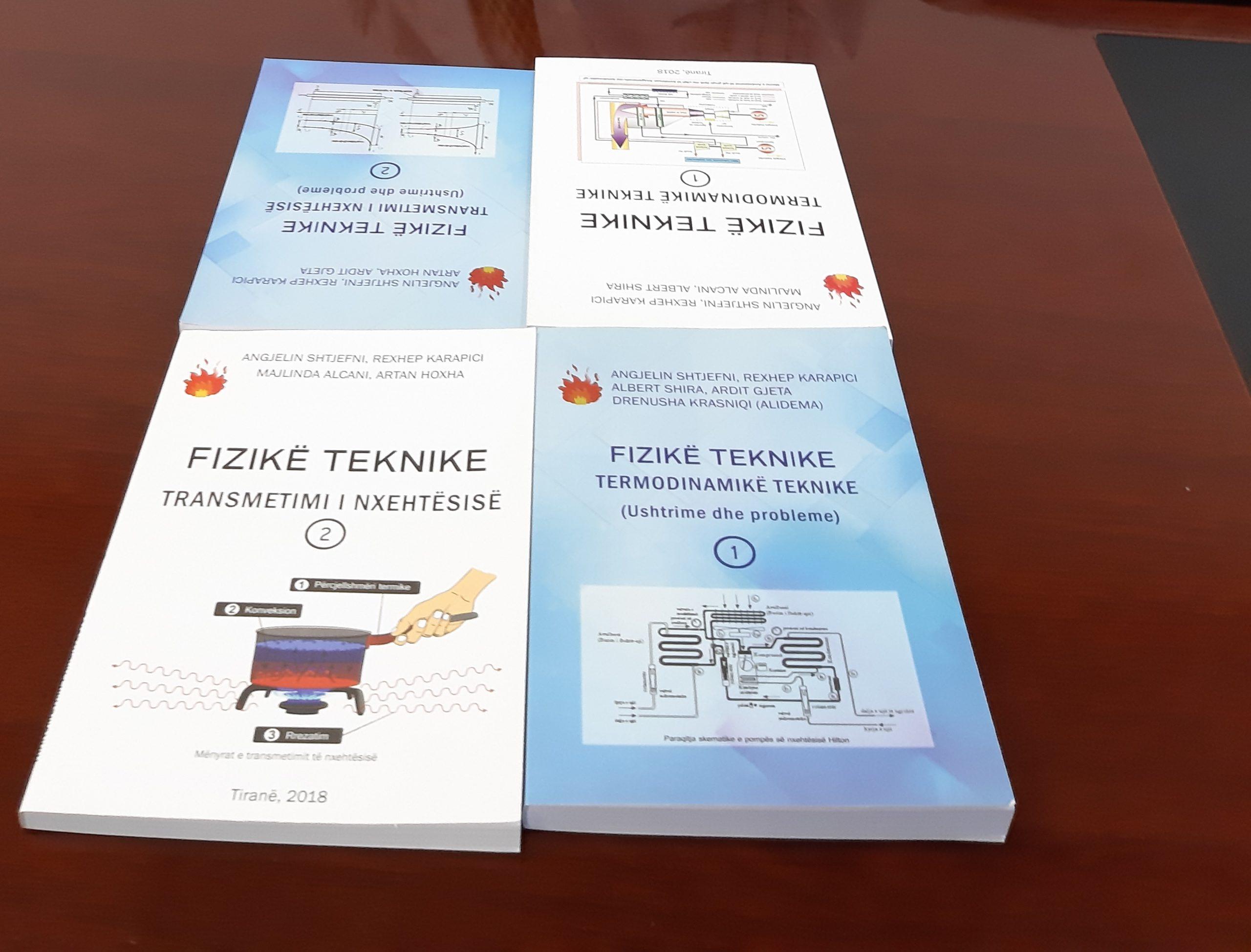 Profesori nga Tirana, prof.dr. Angjelin Shtjefni, dhuron libra për UIBM