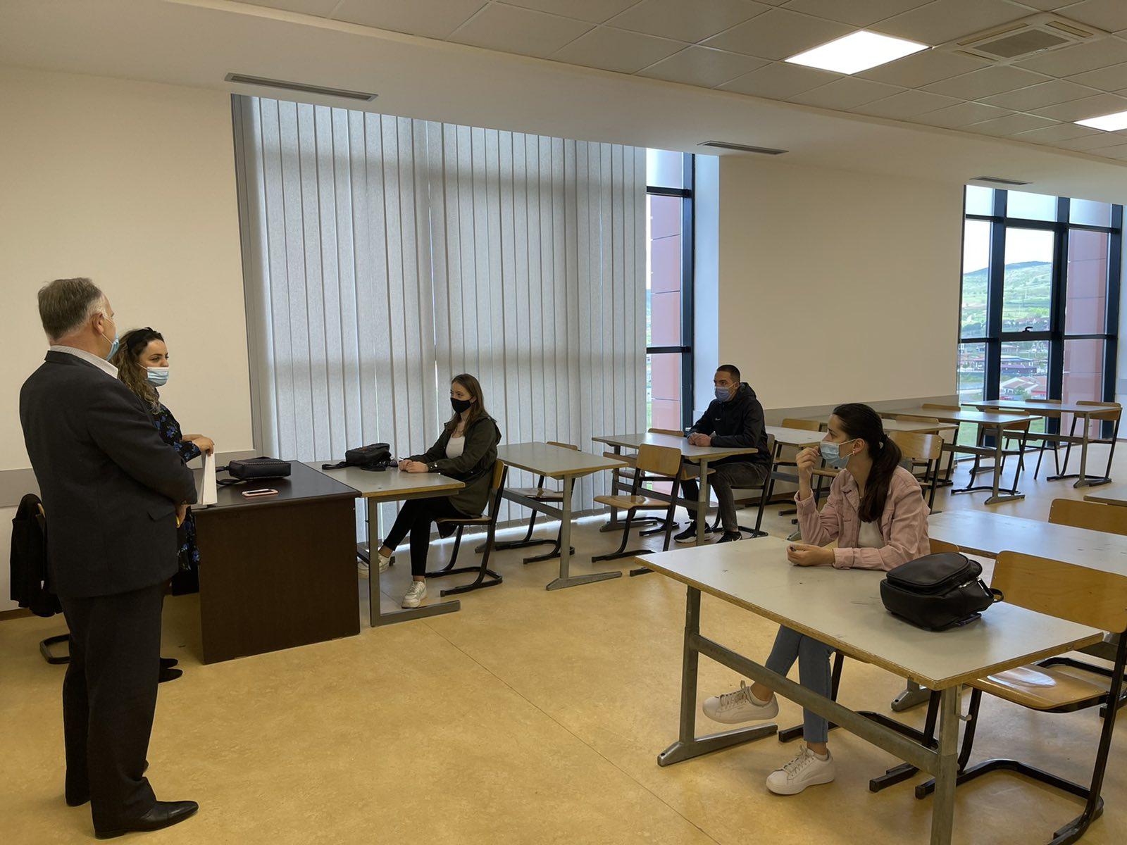 Tre studentë të Ekonomikut presin të vazhdojnë studimet në një universitet teknik në Poloni