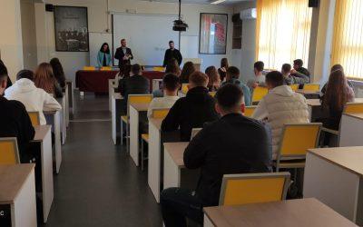 Takime Informuese Me Maturantë Në Mitrovicë Dhe Vushtrri