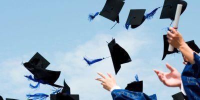 Ceremonia E Diplomimit Për Absolventë 2020-2021
