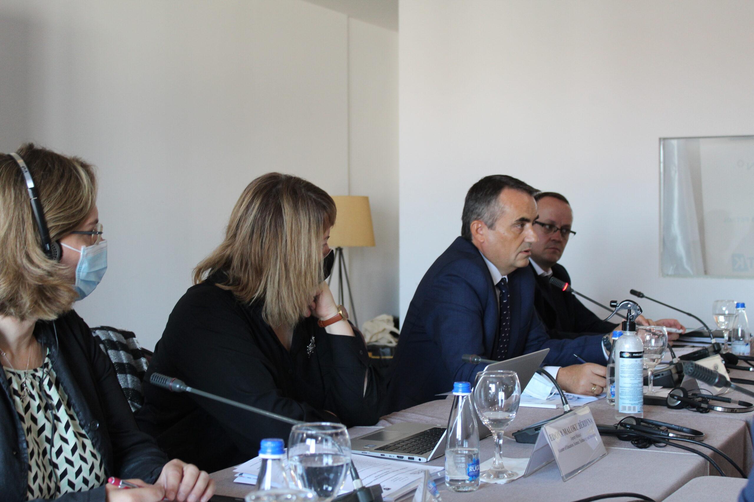Rektori Musaj mori pjesë në punëtorinë e organizuar nga Heras-i