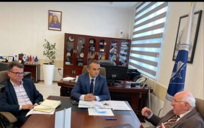 "Akademik Minir Dushi, Vizitoi Universitetin ""Isa Boletini"""